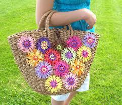 Make It Monday Raffia Flowers Clover Needlecraft
