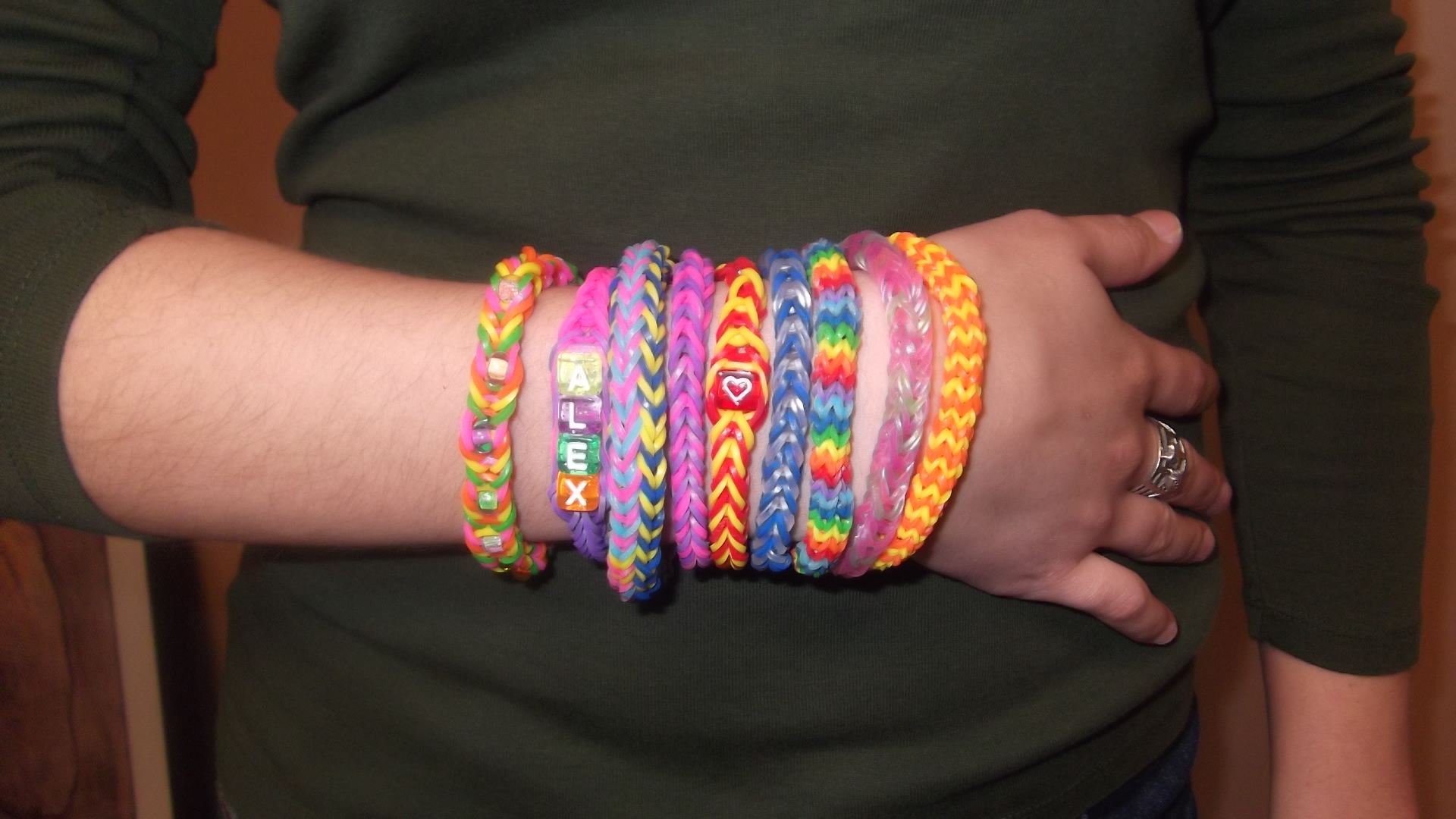 Make ?French?-ship Bracelets with the French Knitter Clover Needlecraft